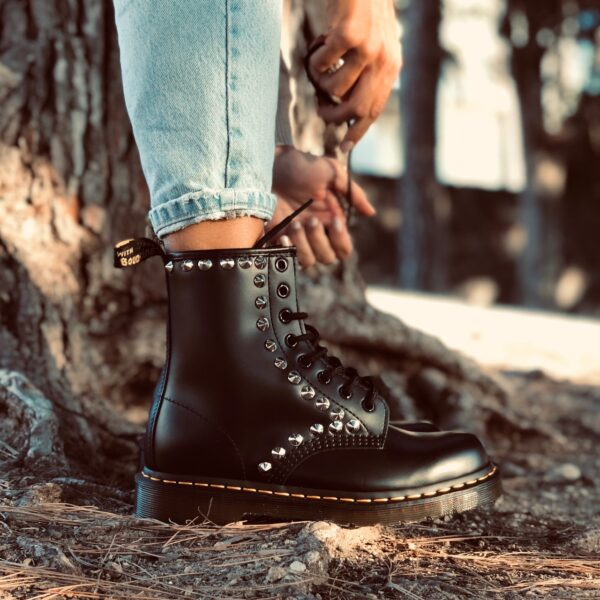 DR MARTENS SILVER STUDS